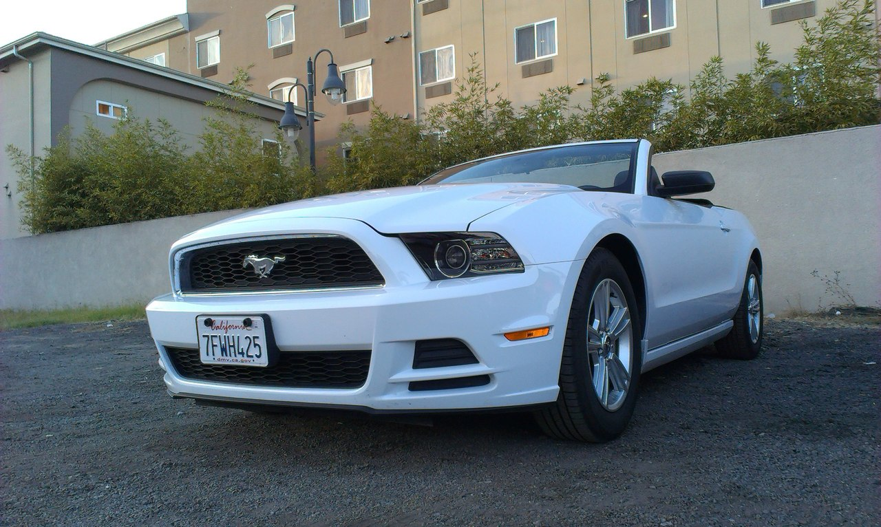 ford mustang white