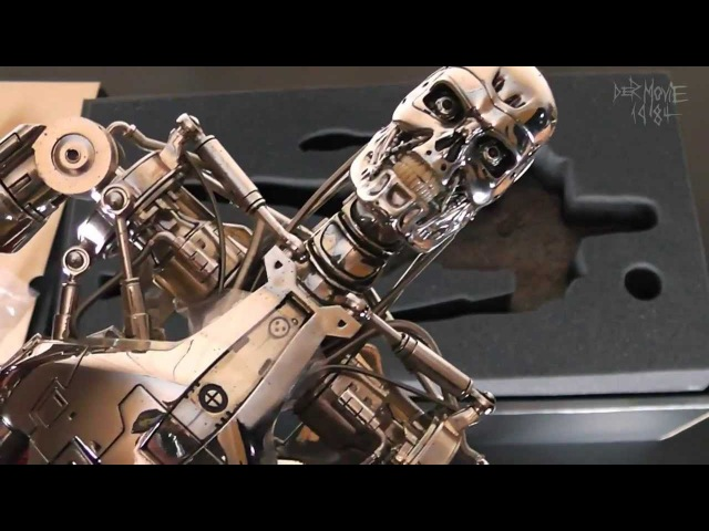 The Terminator - T-800 Endoskeleton 1/4th scale from Hot Toys