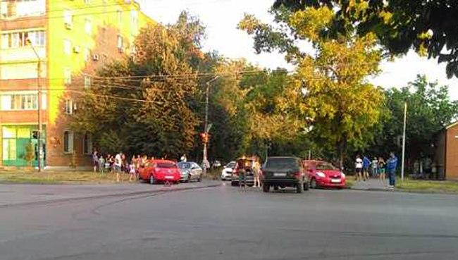 В Таганроге ДТП на пересечении улиц Чехова и Ломоносова попало на видеорегистратор
