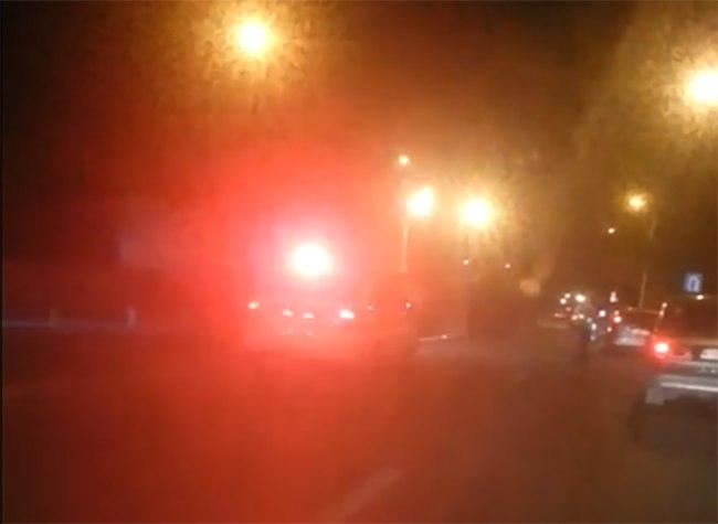 На трассе «Ростов-Таганрог» рядом с Самбекским постом ГАИ столкнулись две «ГАЗели». ВИДЕО