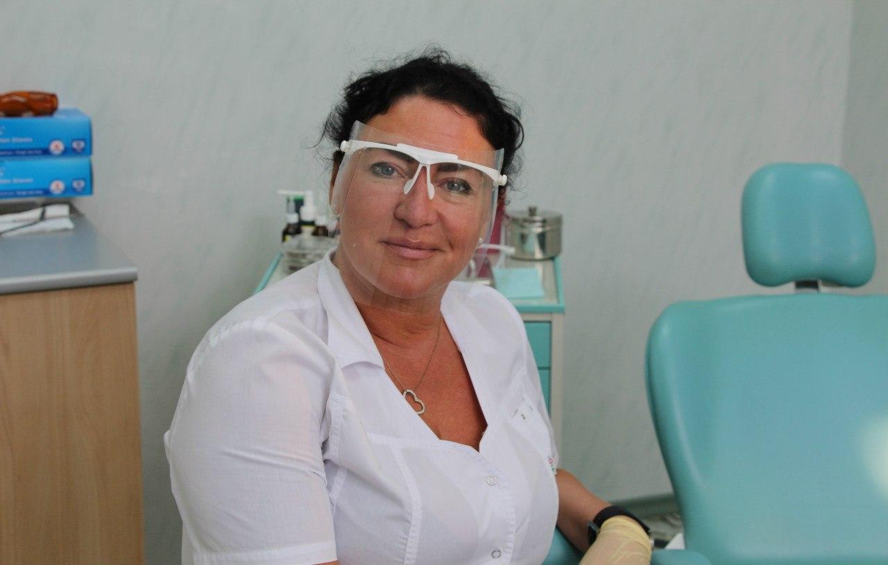 Внукова Татьяна Геннадьевна - зубной врач (квалификация  терапевт).