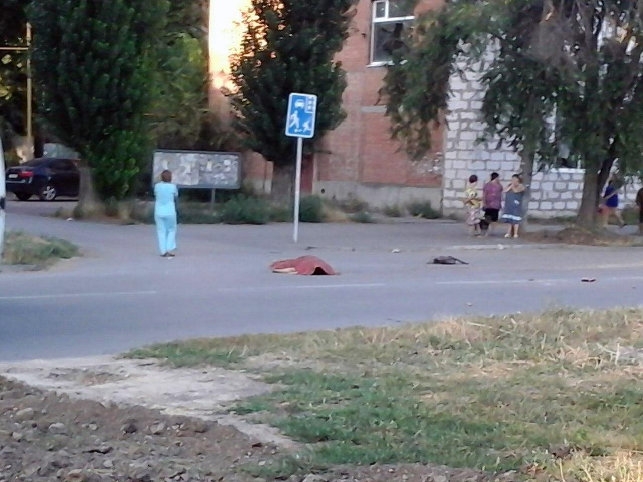 Около часа назад на Пальмиро Тольятти Chevrolet Aveo насмерть сбил женщину, улица перекрыта