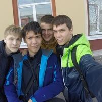 Макс Кажаев