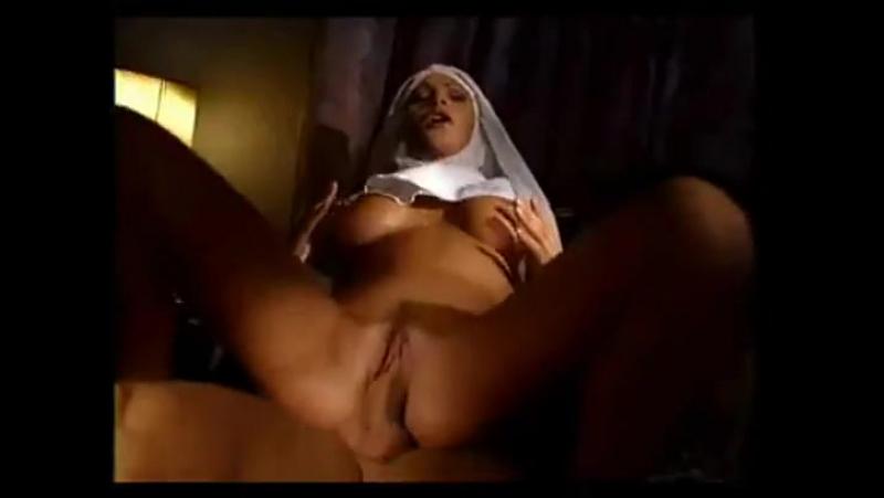 Сестра не удержалась (секс, монашка, минет,