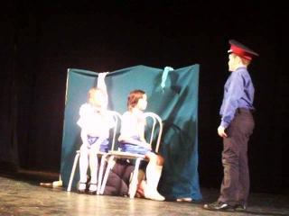 выступление на театральном фестивале