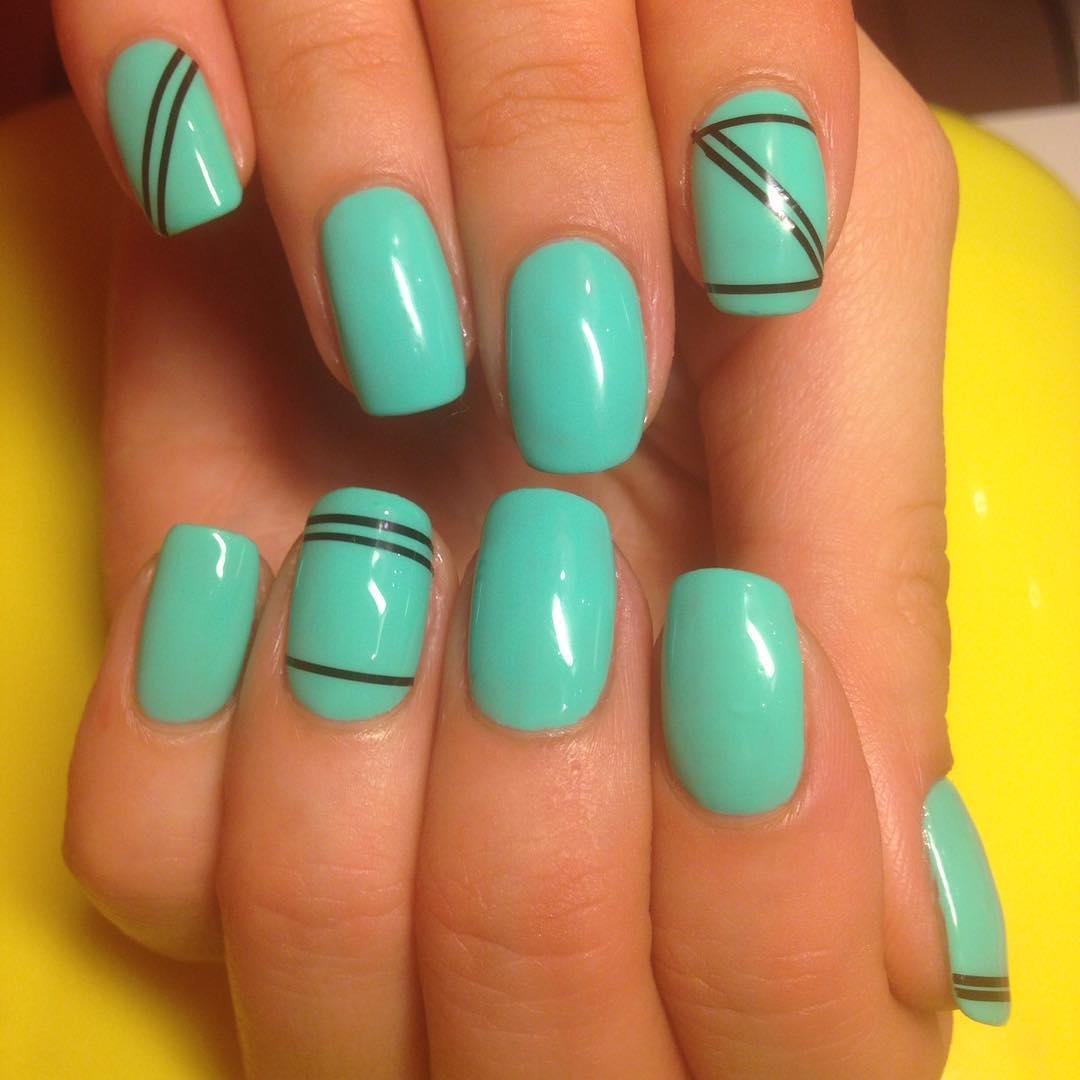 Ментоловый цвет ногтей фото