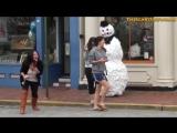 Відео Приколи! Розіграш з сніговиком