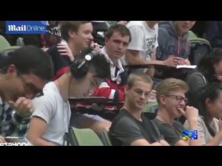 В Сиднее студент попался на просмотре порно фильма угар
