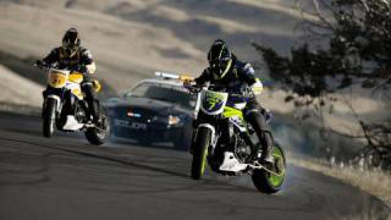 Motorcycle vs. Car Drift Battle 2