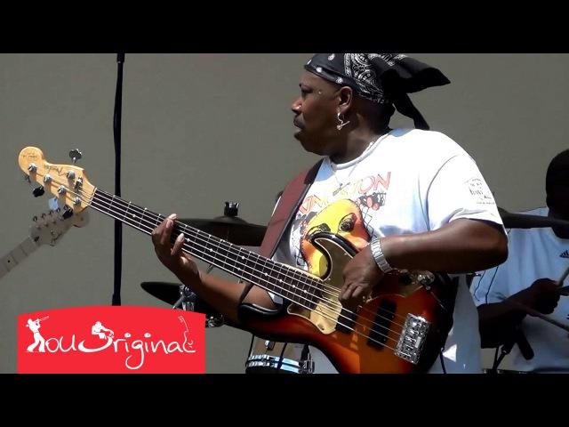 Восхитительное соло на бас-гитаре от Ларри Уильямса