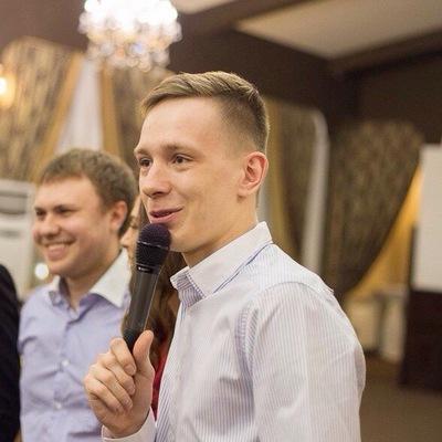Вячеслав Ахраров