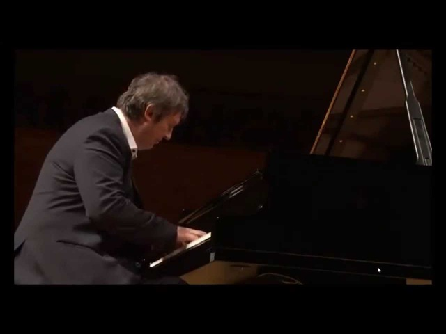 Boris Berezovsky plays Rebikov Christmas Tree waltz - video 2014
