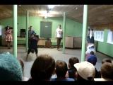 Офигенный танец от вожатых, плаврука и диджея:3