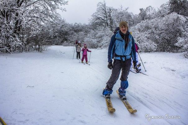 Деревянные охотничьи лыжи. Кумысная поляна