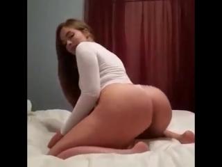 Sexy_booty_dance_Seksualnyy_tverk...