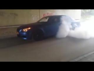 Сумасшедший рев BMW