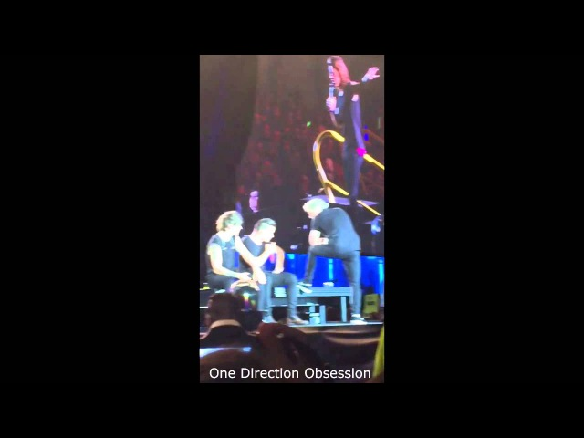 One Direction - Louis ripping Niall's pants live in Winnipeg, MB July 24 2015 | OTRA Tour