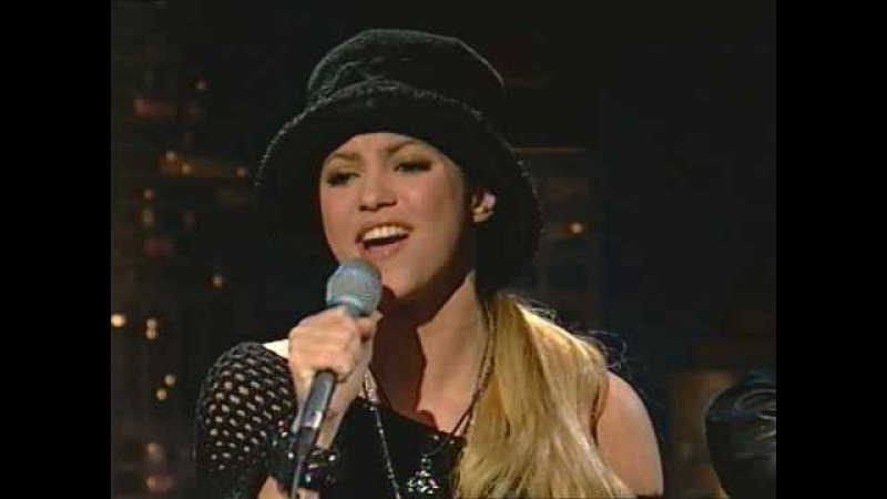 Shakira -Underneath your clothes acustica