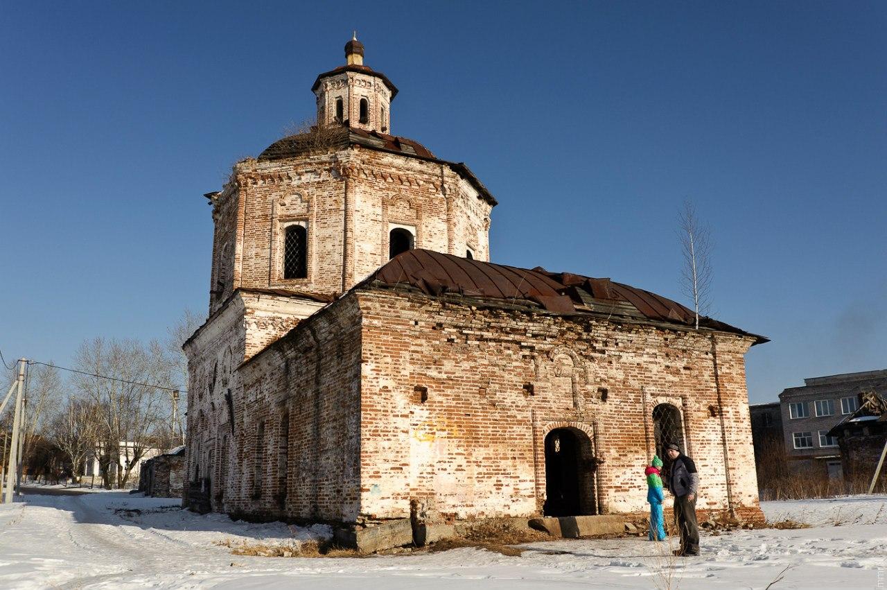 Старо-Покровская церковь, построена в 1744 - 1753 гг.