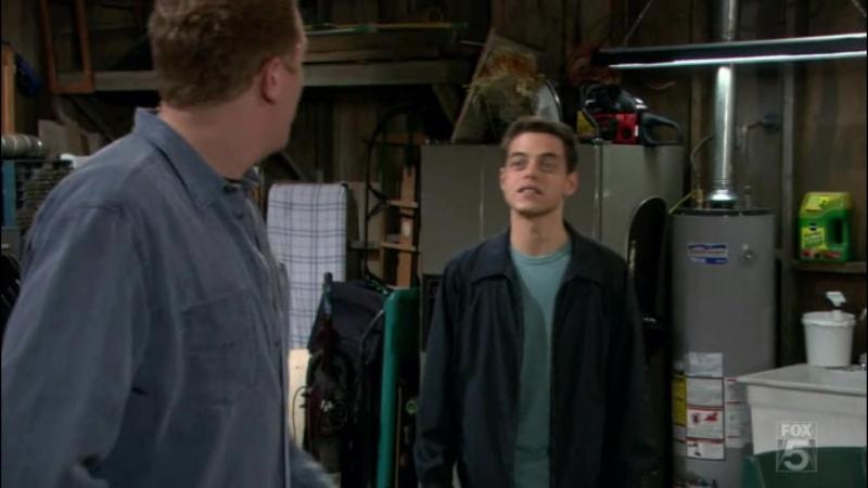 Рами Малек в сериале «Война в доме» / «The War at Home» 2 сезон 1 часть