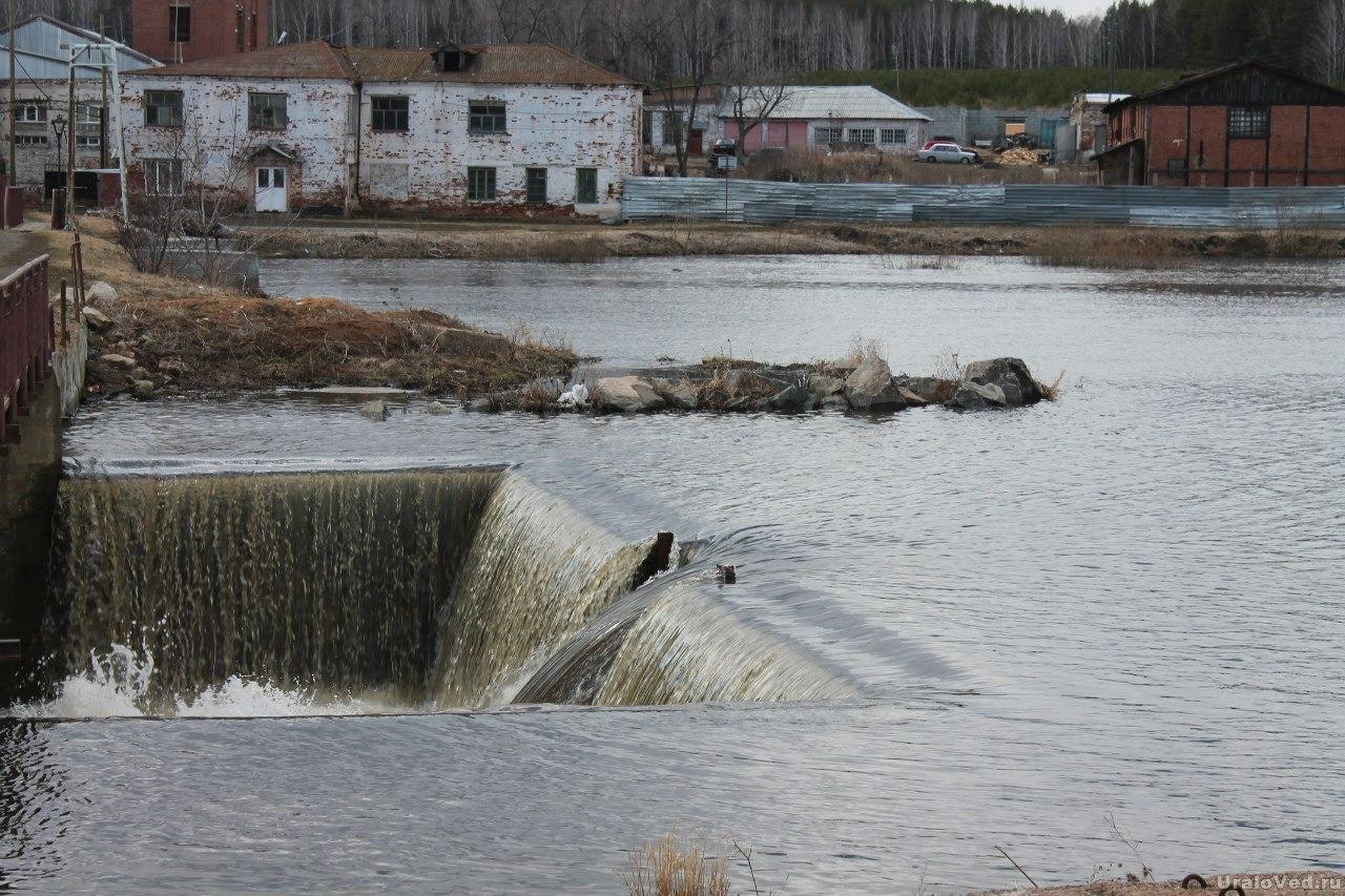 Плотина в Черноусово