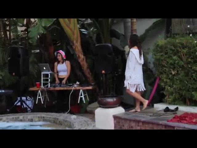 Kiana Brown- Sweet 18th B-Day Singing Live (Venessa Michaels Touch Me ft. Kiana Brown)