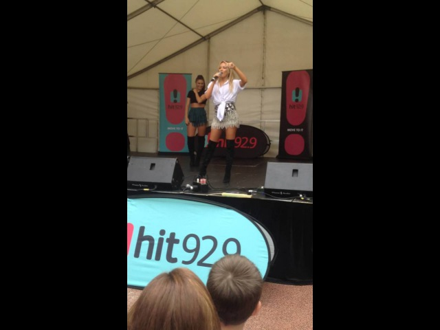 Samantha Jade - Shake That/Up! (Live at Watertown Shopping Centre 2015)