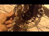 Люфт тормозного ротора Hope на пауке в месте соединения заклепок.