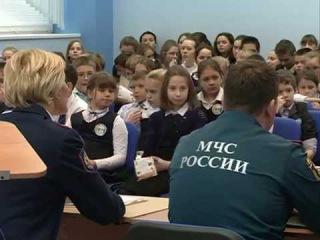 Школьникам рассказали, какую опасность таят в себе безобидные с виду петарды, ракеты и фейерверки.
