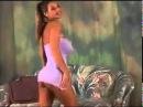 Супер девушка Кристина сексуально танцует в мини юбке