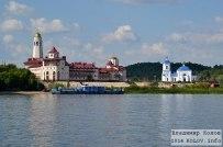 05 августа  - Самарская область: Вид с Волги на монастырь в селе Винновка
