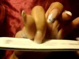 Как снять нарощеные ногти дома?