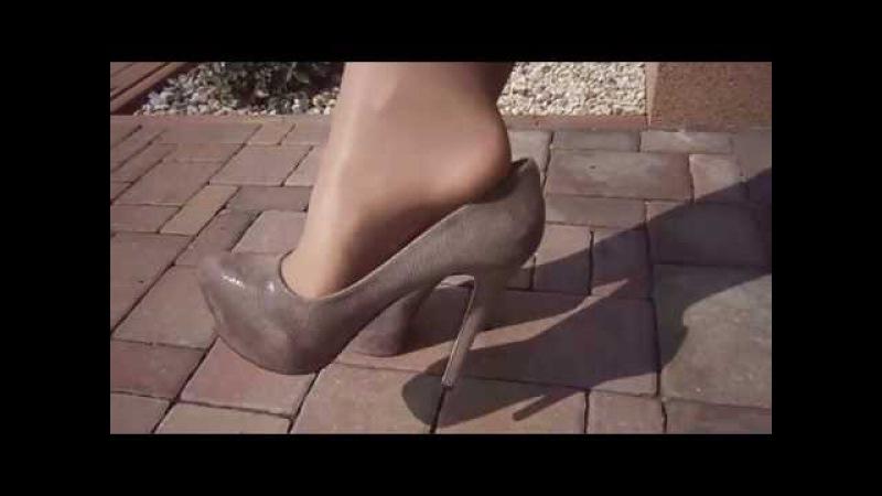 Nylon layers legs - pantyhose gobi Wolford over white stockings