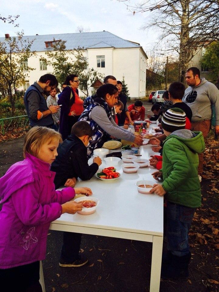 Пикник в Покровском детском доме