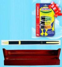 Ручка роллер liberty (в деревянном футляре) + подарок: набор из 3 маркеров stabilo «boss mini», OHTO