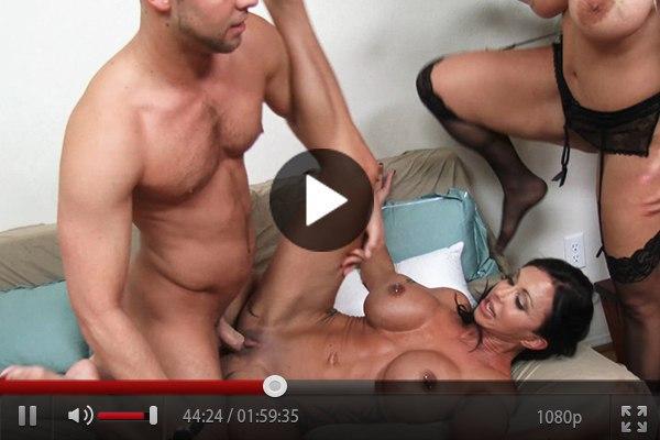 порно видео за стеной: