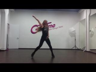 Sonya Neks / Tyga ft. Travis Porter – Ayy Ladies