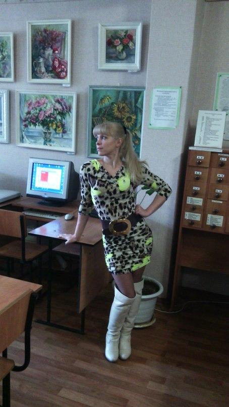 В настоящее время учится в магистратуре александринского театра под руководством.в.