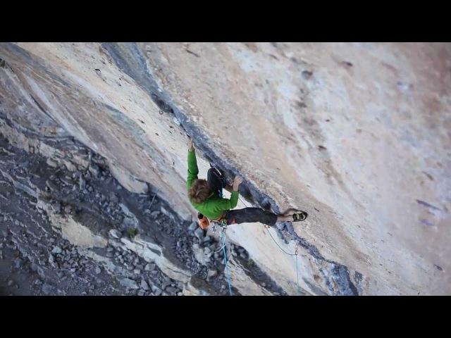 Arnaud Petit climbs Black Bean 8b with natural pro in Ceüse