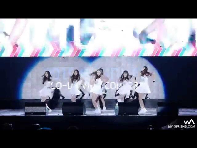 Девушки падают на сцене Выступление корейской группы GFrie
