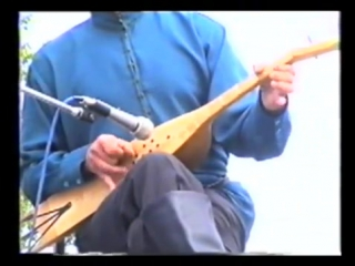 Аварские песни от души играет на пандуре Алиев Мух1амад