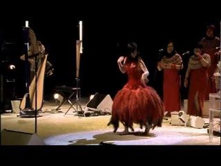 Bjork - Hyperballad (Live at Royal Opera House)