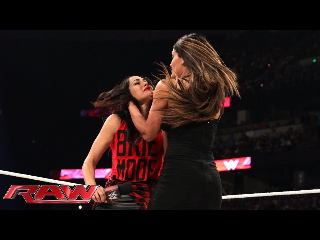 "Jerry Lawler hosts ""A Family Reconciliation"" with Nikki Brie Bella: Raw, Aug. 25, 2014"