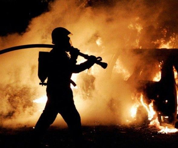 Ранним утром в городе Таганроге сгорел флигель и машина