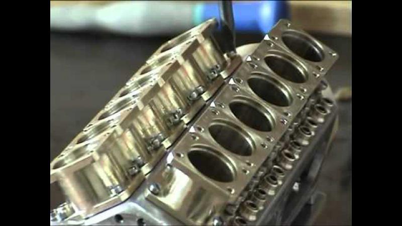 Автомобильный ювелир создал самый маленький двигатель V12
