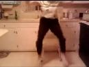 Крутая бабушка танцует - Steep grandmother dancing