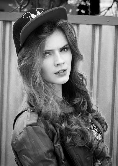 Ліля Савуляк