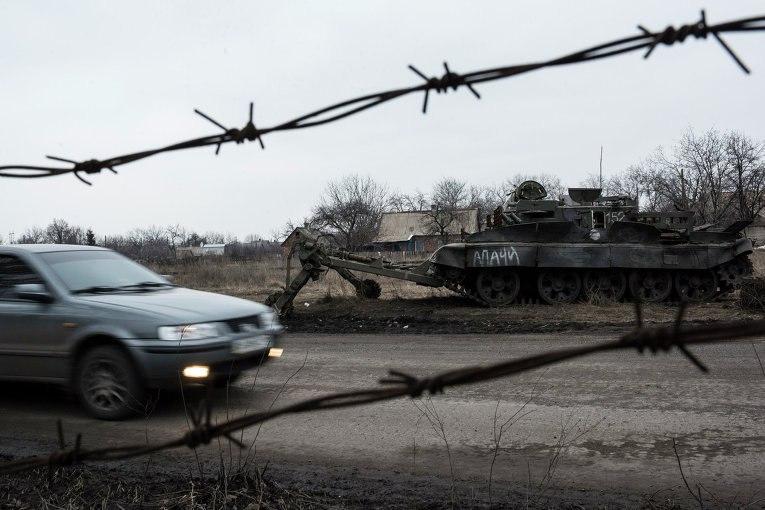 Брошенный танк под Очеретино