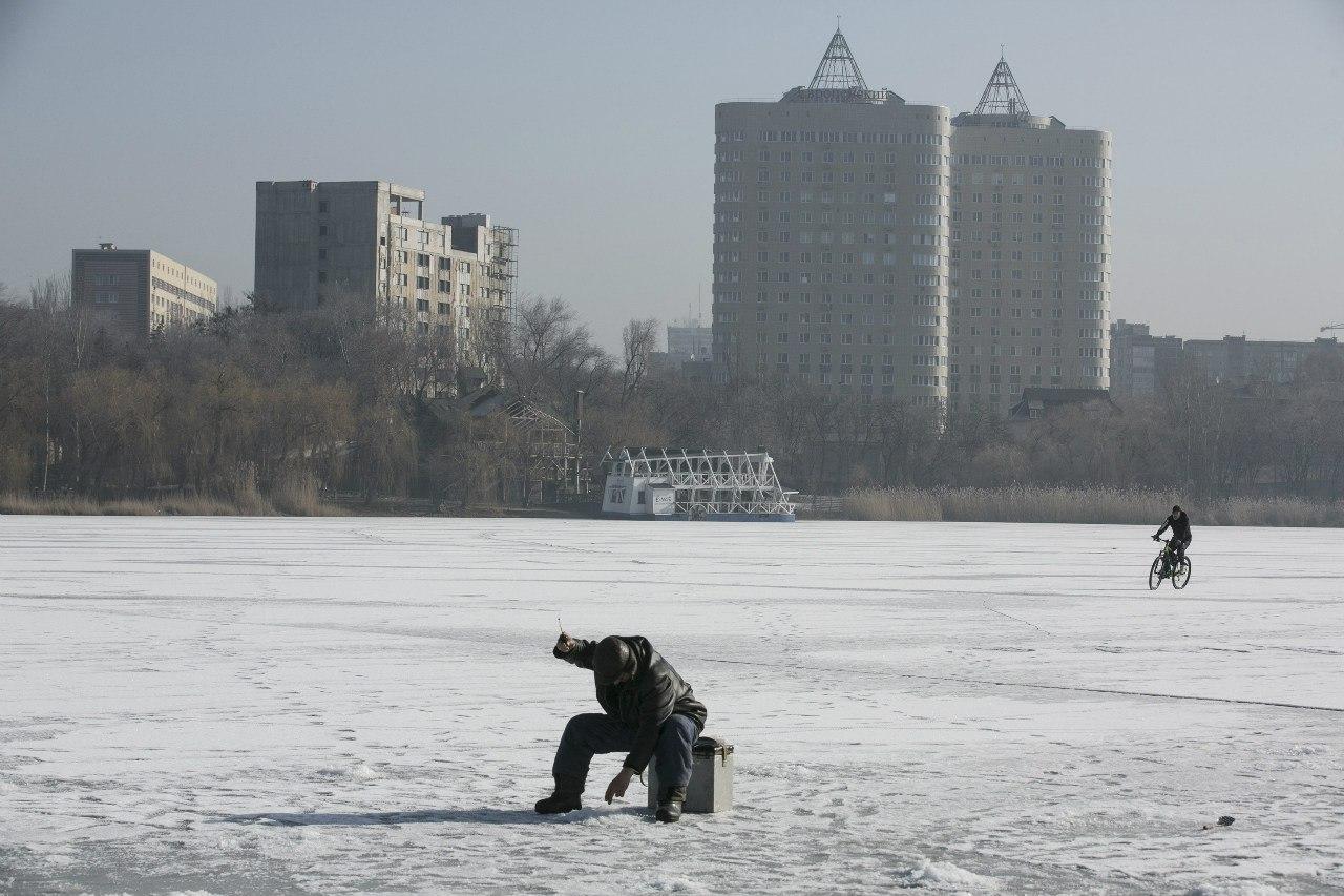Зимняя рыбалка в Донецке
