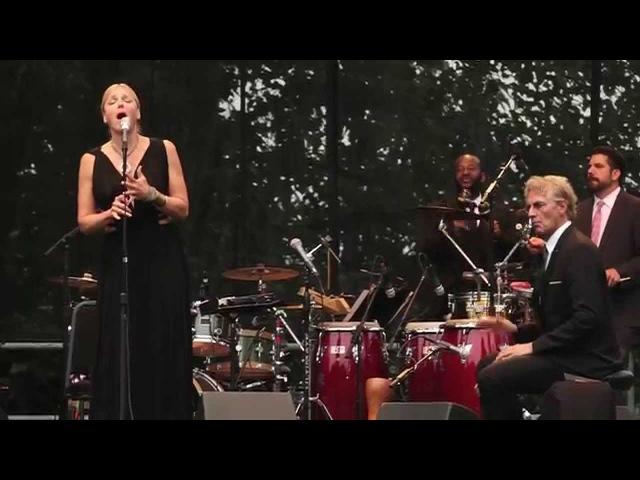 Pink Martini (with singer Storm Large) - Quizás, quizás, quizás